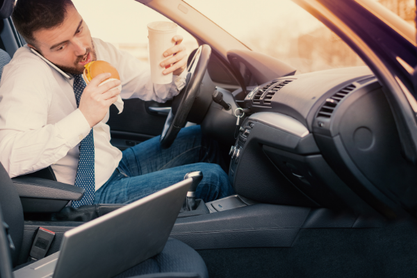 7 Things That Cause Distracted Driving